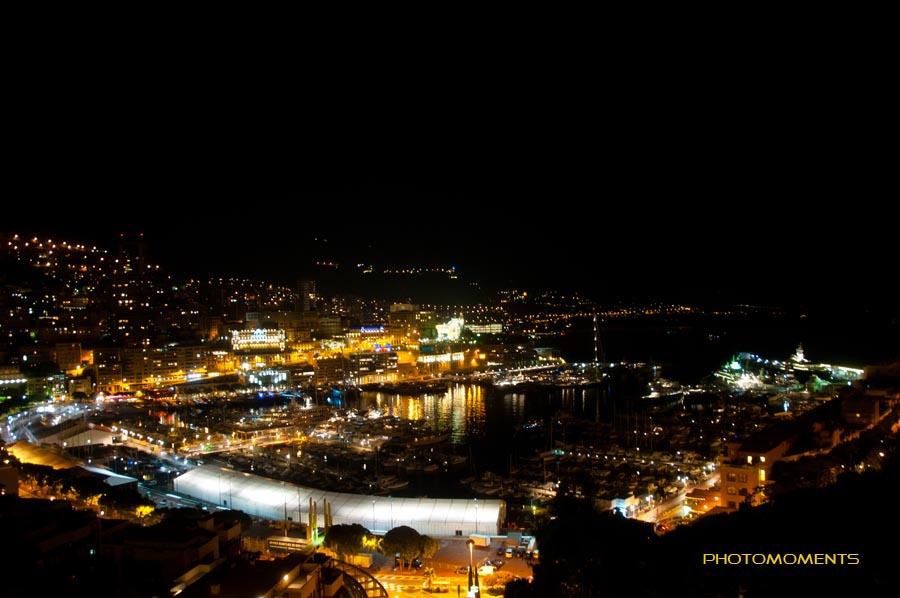 Der Hafen von Monaco bei Nacht